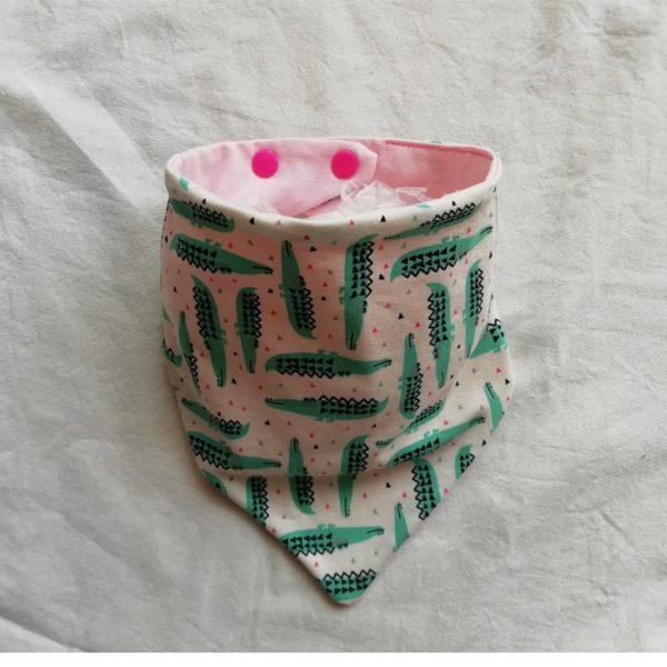 bandana-bebe-infantil-estampada-cocodrilos