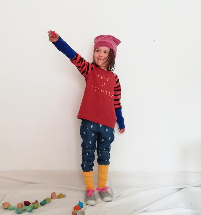 camisetas-nio-infantil-braille-fresa-y-amarillo-color-cobre