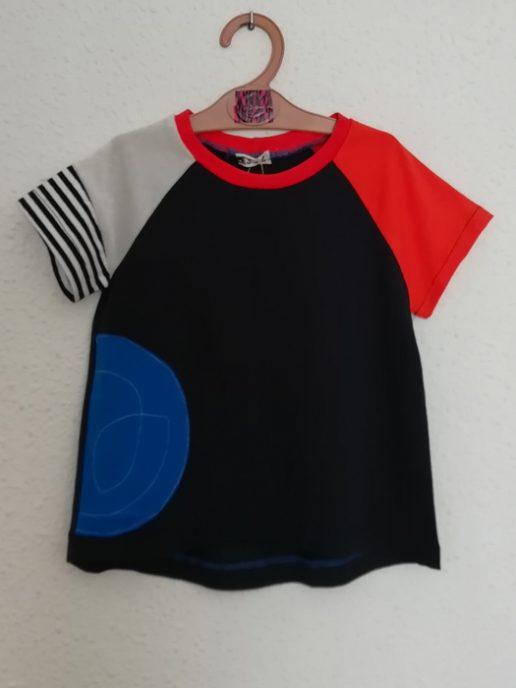 camiseta-nio-infantil-negra-y-azul